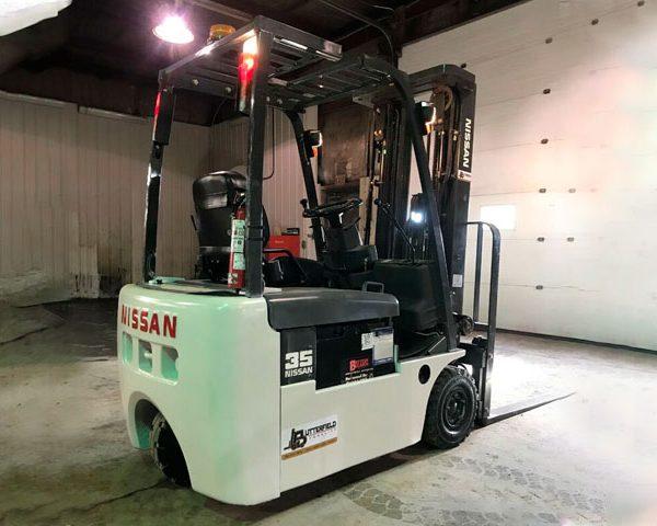 2004-Nissan-3-Wheel-Electric-Forklift-4