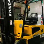 2007-Hyundai-3-wheel-electric-forklift4