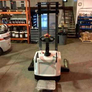 New-TEU-Electric-Stacker-Forklift-1