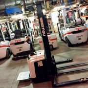 New-TEU-Electric-Stacker-Forklift-2