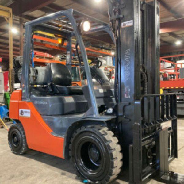Toyota-4000lb-Capacity-Forklift